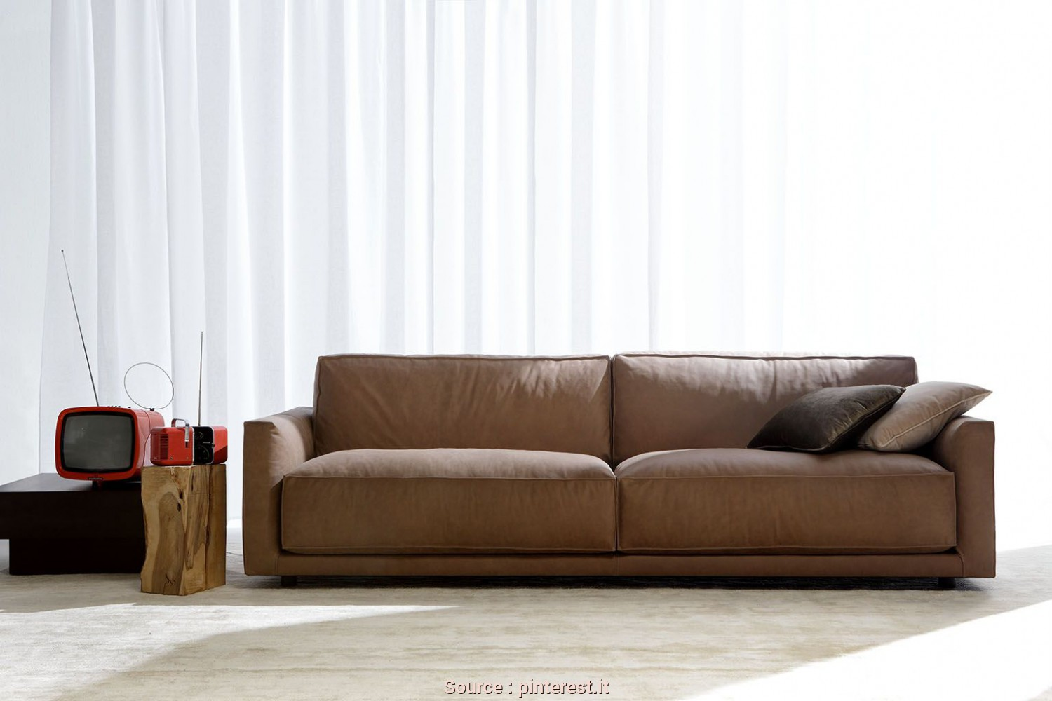 Divano Pelle Marrone Moderno, Eccezionale Ribot Sofa By Berto. Modern Leather Sofa Made In Italy. Pelle Marrone, Design