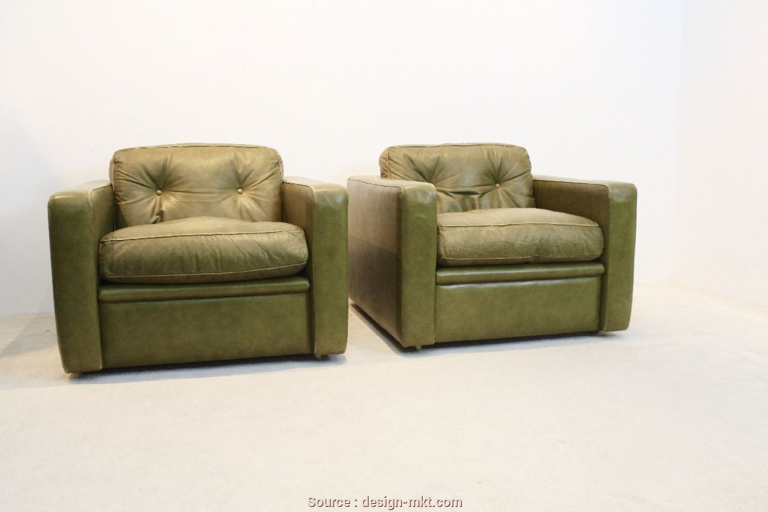 Poltrone Frau Vintage, Semplice Vintage Seating Group By Poltrona Frau In Olive Green Leather 1970